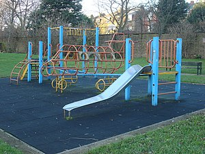 English: Airplane climbing frame This climbing...