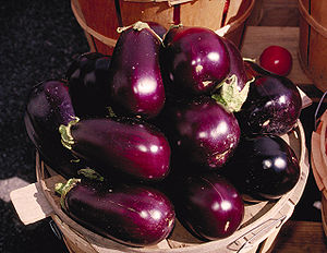 Aubergines from http://www.usda.gov/oc/photo/9...