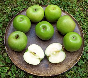 Granny Smith, green Apple