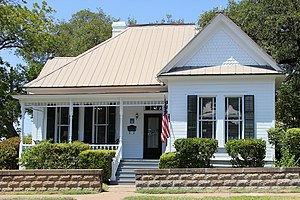 English: The Fannie Moss Miller House located ...