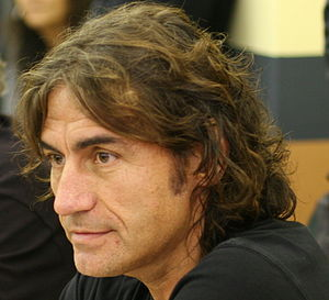 Luciano Ligabue a una conferenza stampa a Vero...