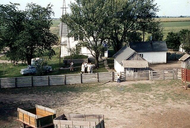 File Farm House And Barn Yard Marion County Ia 1957 Jpg
