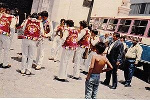 archivo de presentación en la Plaza San Pedro,Lima