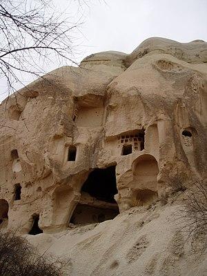 Cappadocia, Burrowed dwellings