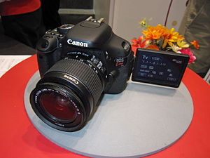 Canon EOS Kiss X5 (Canon EOS 600D) with EF-S 1...