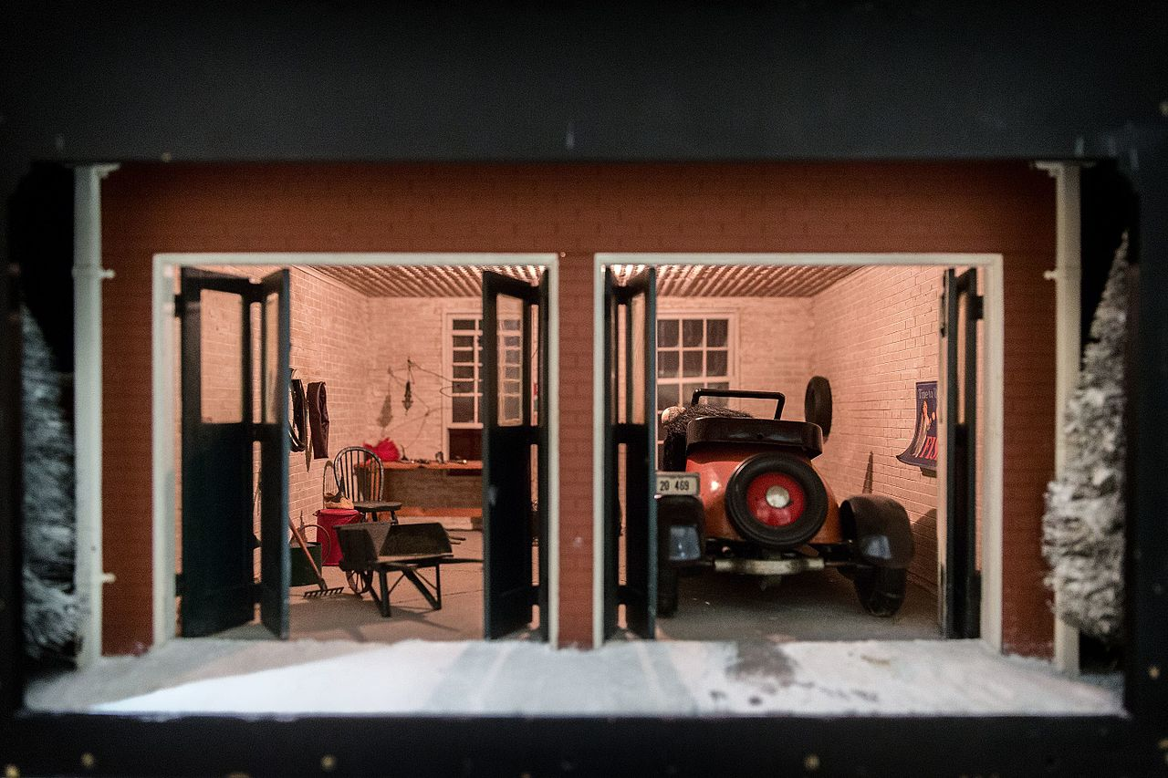 File Nutshell Studies Of Unexplained Death Garage Jpg
