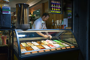 English: Ice cream parlor. Venice, Italy 2009