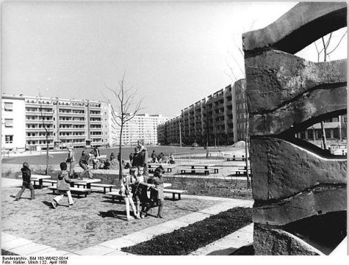 Spielplatz in Dresden-Prohlis 1980
