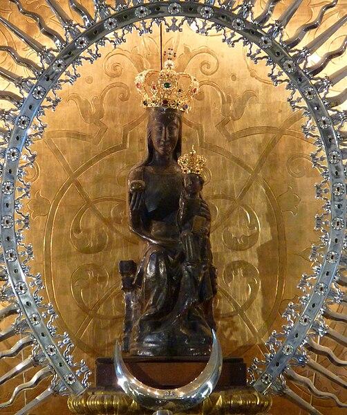 File:Virgen-de-atocha-madrid.jpg