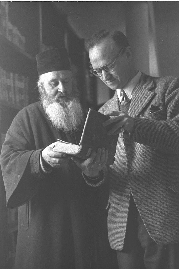 https://i1.wp.com/upload.wikimedia.org/wikipedia/commons/thumb/a/ab/Archimandrite_Christophoros_-_Gerard_Garitte_1957.jpg/682px-Archimandrite_Christophoros_-_Gerard_Garitte_1957.jpg