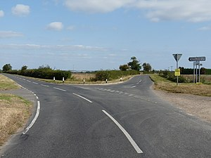 English: Ashwell Road fork To the left is Ashw...