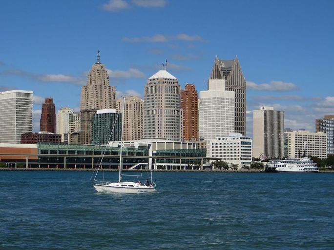Downtown Detroit, Michigan from Windsor, Ontario (21760939812)