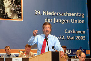 Deutsch: Christian Wulff (* 19. Juni 1959 in O...