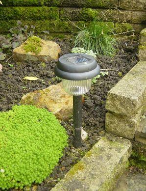 English: Solar powered lamp