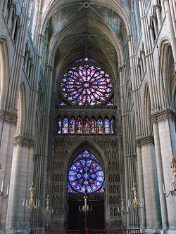 external image 250px-Cath%C3%A9drale_de_Reims_int%C3%A9rieur.jpg