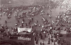 English: Photo during the Romanian Revolution ...