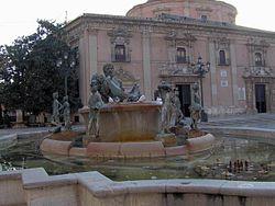 Monumento al r�o Turia en la ciudad de Valencia.