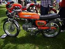 """Hoewel MotoBi al in 1961 terugkwam bij Benelli, werd het """"kracht-ei"""" nog lang gebruikt, zoals in deze Benelli 250 Sport Special uit 1971"""