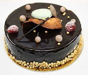 Cake made of chocolate mousse.