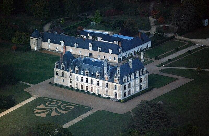 Beauregard castle, aerial view