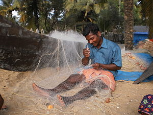 English: Working with Fishing Net മലയാളം: വലനെ...