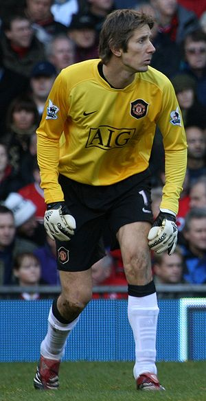 Edwin van der Sar playing for Manchester Unite...