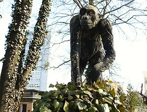 English: Monky Monument, Poznan, Old ZOO. Pols...