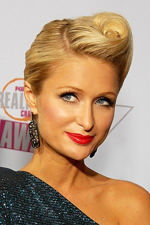 English: Paris Hilton attending the Fox Realit...