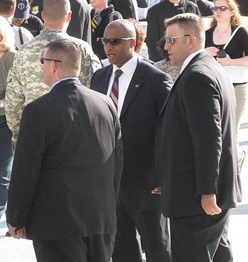 The US Secret Service provides security for Po...