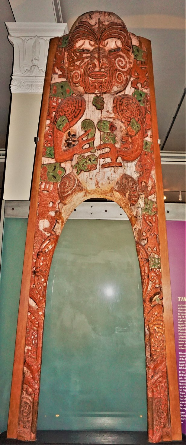 Auckland War Memorial Museum - Joy of Museums - Tiki Gateway Carving