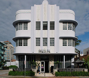 Marlin Hotel - Art Deco architecture on Collin...