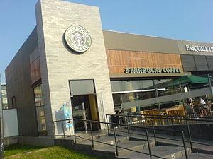 Starbucks ubicado en el Distrito de San Miguel...
