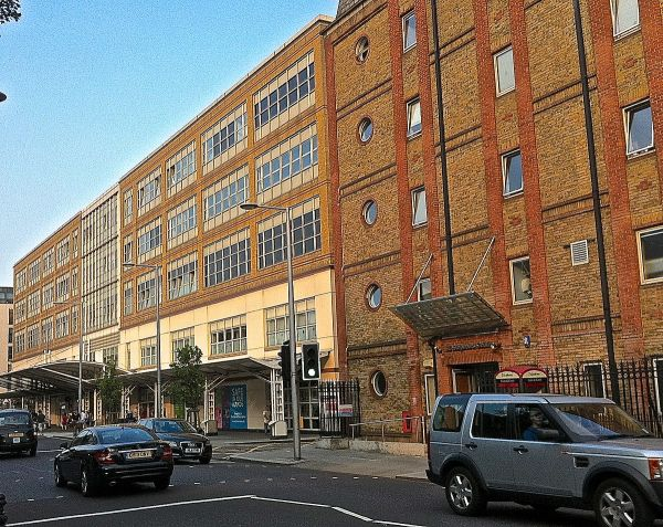 Chelsea and Westminster Hospital - Wikipedia