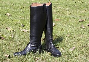 Black English riding field boots