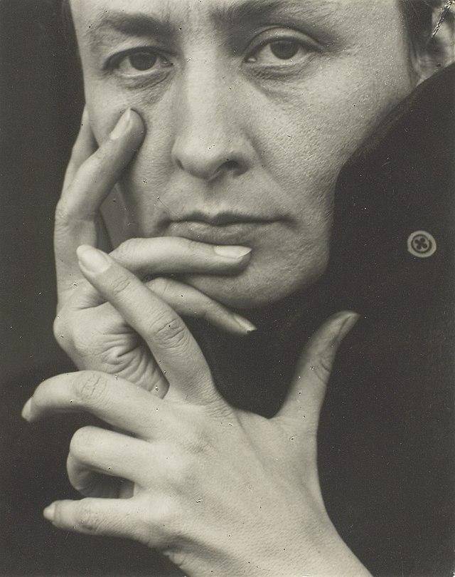 O'Keeffe-(hands).jpg
