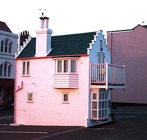 English: The 'Barbie House', Aldeburgh This ti...