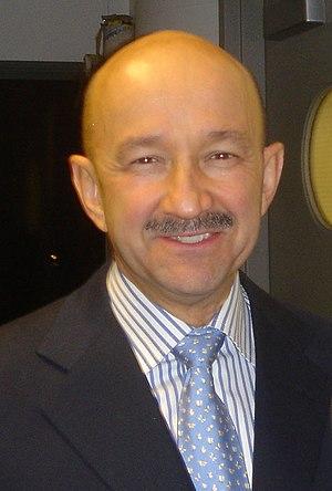 English: Cropped picture of Carlos Salinas de ...