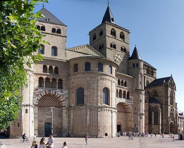 romańska katedra w Trewirze