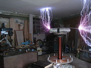 Tesla Coil Sparks 4KVA with Corona on Wire