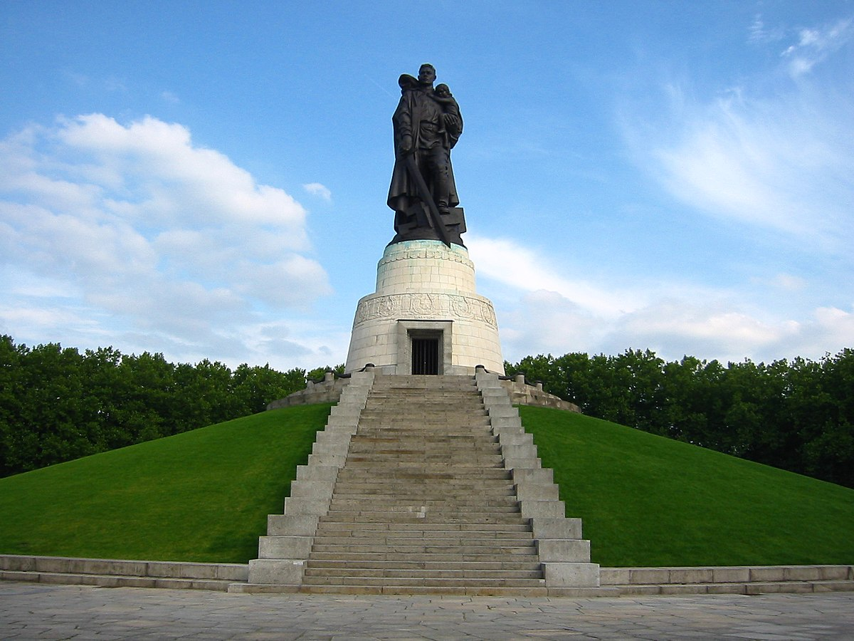 Sowjetisches Ehrenmal Treptower Park Wikimedia Commons