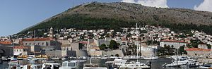 English: Dubrovnik - panorama of old harbour