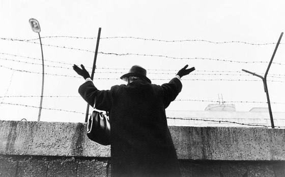 Faire signe sur le mur de berlin, 1961