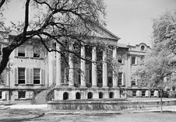English: College of Charleston, 66 George Stre...
