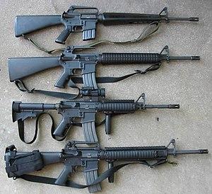 Dari atas ke bawah: M16A1, M16A2, M4, dan M16A4.