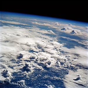 Thunderstorms over the Pacific seen from Earth...