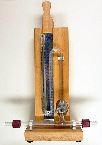 Mercury column to measure pressure, scale in millibar (mbar)