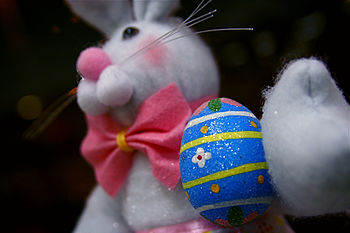 This Easter bunny is decorating the main post ...