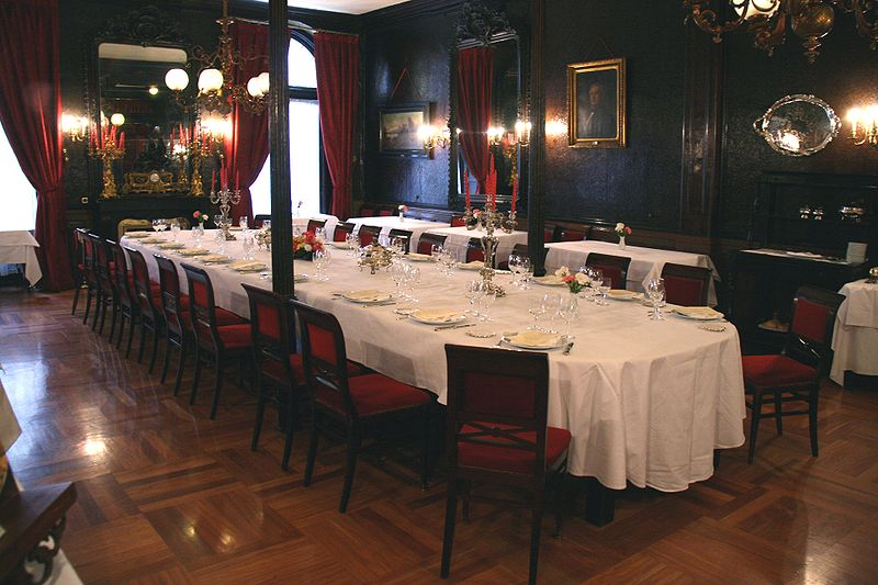Archivo:Salón Isabelino-Lhardy.jpg
