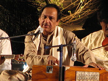 English: Ghulam Ali, picture taken with a Cann...