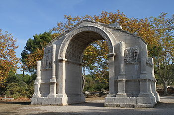English: Glanum at Saint-Rémy-de-Provence (Bou...